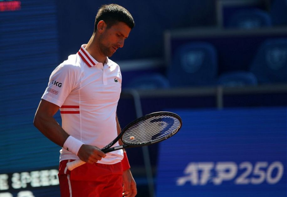 Najslađi snimak koji ćete videti danas: Pogledajte kako mali Stefan Đoković žustro bodri oca Novaka na turniru! (video)