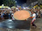 Najveća pljeskavica na svetu ispečena u Leskovcu