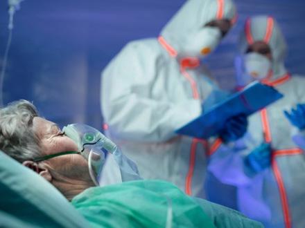 Najviše smrtnih slučajeva do sada – 65 žrtava kovida, 6.179 novozaraženih