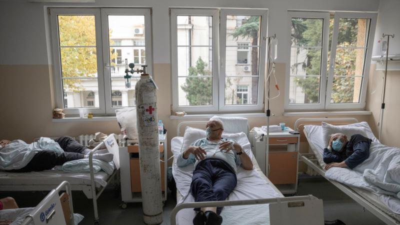 Najviše umrlih od Kovida 19 u jednom danu u Srbiji, skoro pet hiljada novozaraženih