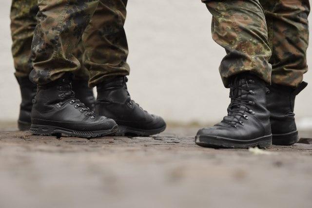 Naoružani Slovenci koji glume vojsku stigli na hrvatsku granicu