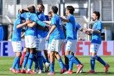 Napoli vidi Ligu šampiona, remi Bolonje