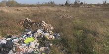 Napušteno zemljište divlja deponija