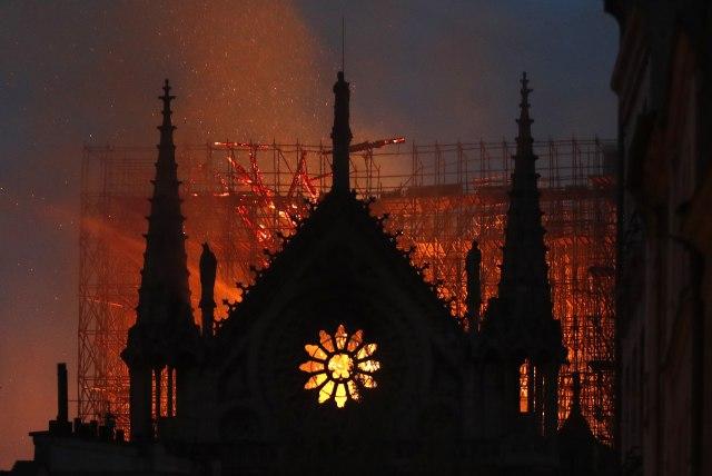 Vatrogasci: Struktura Notr Dama sačuvana