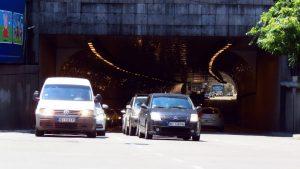 Narodna stranka: Građani ne mogu da registruju vozila zbog sukoba u SNS-u