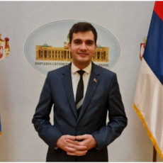 Narodni poslanik Tomić: U Srbiji nema mesta kriminalcima