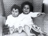 Nasilno su odvedeni od majke, a preživeli su veliku nesreću: Čudesna priča Siročadi sa Titanika