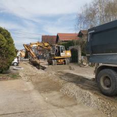 Nastavak radova na izgradnji kanalizacije u Altini