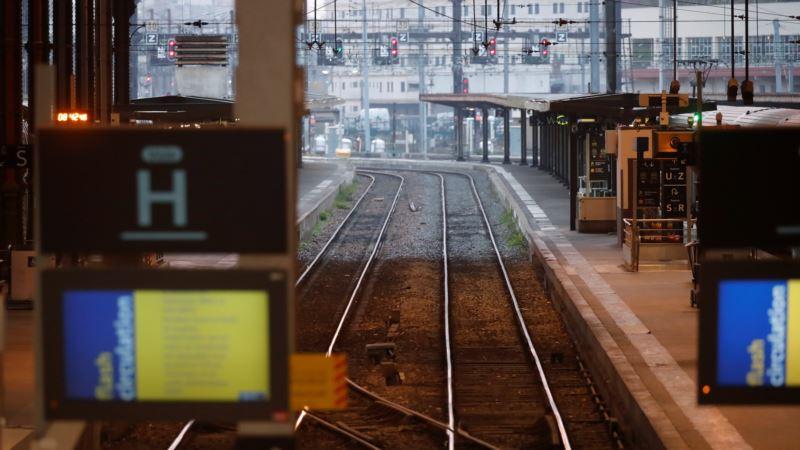 Francuski sindikati železničara za jačanje protesta