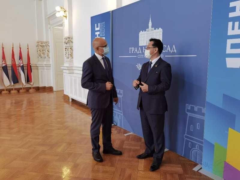 Japanski Nidek spreman da uloži skoro 2 milijarde dolara u Novi Sad, pregovori u toku