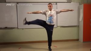 Nastavnik fizičkog sa kojim vežba Srbija: Vežbajte, ne živite virtuelan život