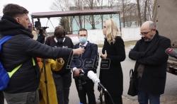 Navaljni veoma slab, advokati traže da bude prebačen u civilnu bolnicu