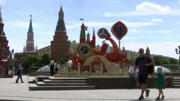 Navijači čekaju prvi zvižduk, svetski lideri Putinove poruke sa Mundijala