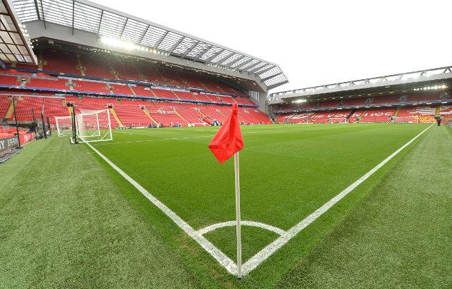 Navijači u Engleskoj ponovo na stadionima, ali moraće da se uzdrže od svega bezobrazno lepog!