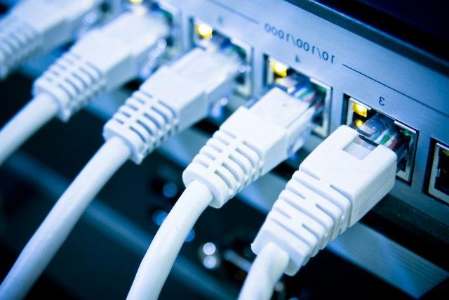 Nazvali dete po internet operateru: Dobili 18 godina besplatne usluge