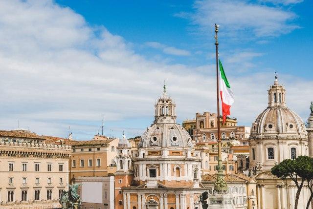 Ne obaziru se na pretnje SAD: Italija uvela digitalni porez u budžet za 2020.