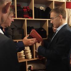 Nebojša Stefanović posestio domaćinstvo u Jakovu: Nudimo podrške malim i srednjim preduzećima
