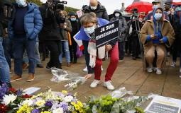 U Francuskoj nekoliko desetina hiljada ljudi odalo poštu ubijenom profesoru