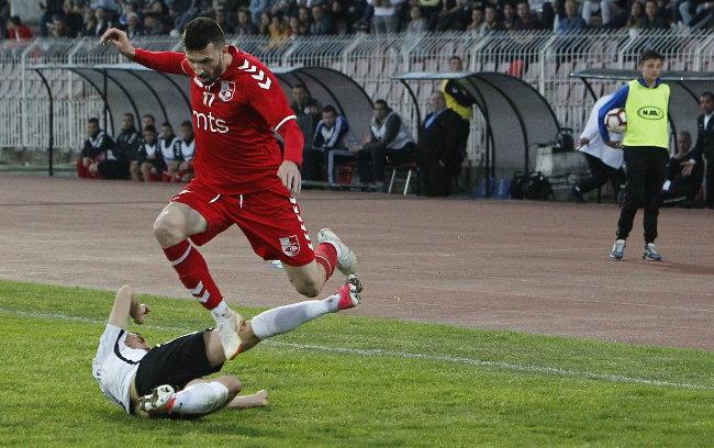 Nema golova u Nišu, a da li je bio penal za Partizan? (TVITOVI)