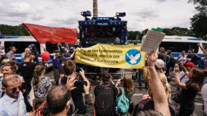 Nemačka vlada osudila nasilje na anti-kovid protestima u Berlinu