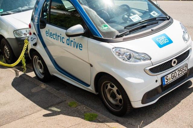 Nemački auto gigant najavio promenu: Omiljeni gradski automobil prelazi na električni pogon