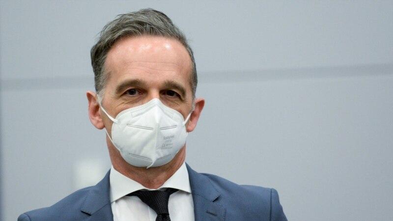 Nemački šef diplomatije u Prištini: Razgovori o promeni granica su opasni
