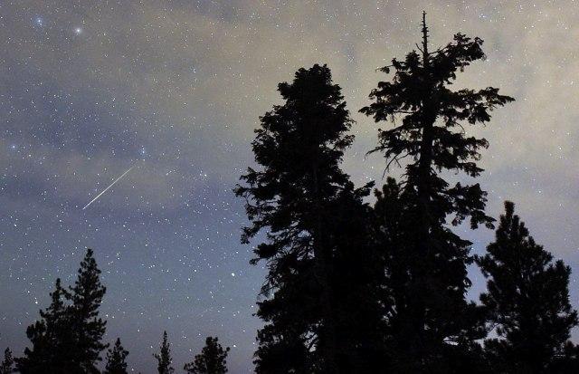 Nemojte da propustite zvezdani spektakl: Uživajte večeras u kiši meteora VIDEO
