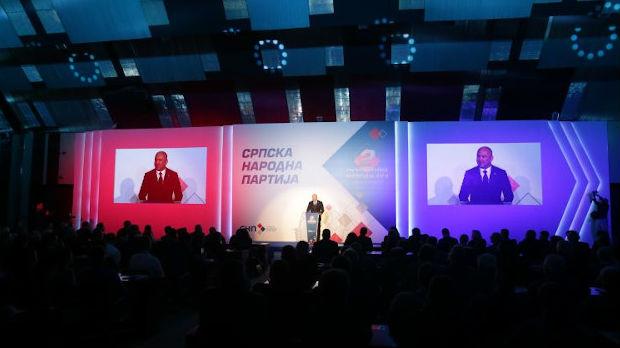 Nenad Popović jednoglasno izabran za predsednika SNP-a