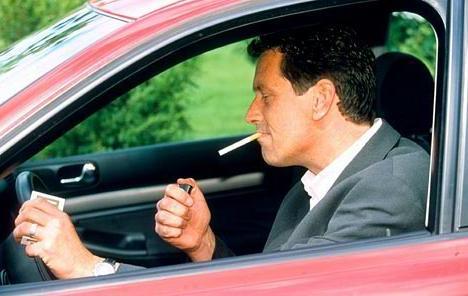 Neobična pravila: Gde je zabranjeno voziti prljav auto, pokazati srednji prst…