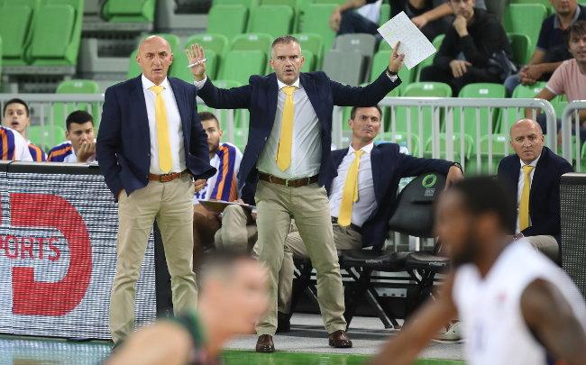 Neočekivana reakcija trenera Mornara posle poraza od Zvezde, delije će ispaštati?! (video)