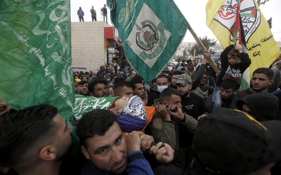 Neredi na sahrani palestinskog tinejdžera na Zapadnoj obali