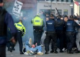 Neredi na ulicama Dablina, protivnici zaključavanja se sukobili sa policijom FOTO