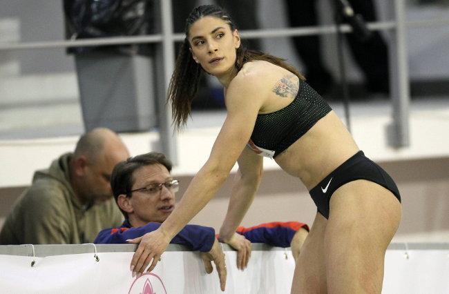 Neustrašiva Ivana Španović, ni prelom je ne može zaustaviti! (foto)