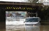 Nevreme i poplave pogodile Englesku, jedna žena poginula VIDEO
