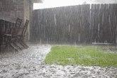 Nevreme pogodilo opštine Istok i Klina, stradali usevi, poplavljeni putevi, dvorišta pod vodom