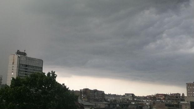 Nevreme protutnjalo Srbijom, kiša nije zaobišla ni Kragujevac