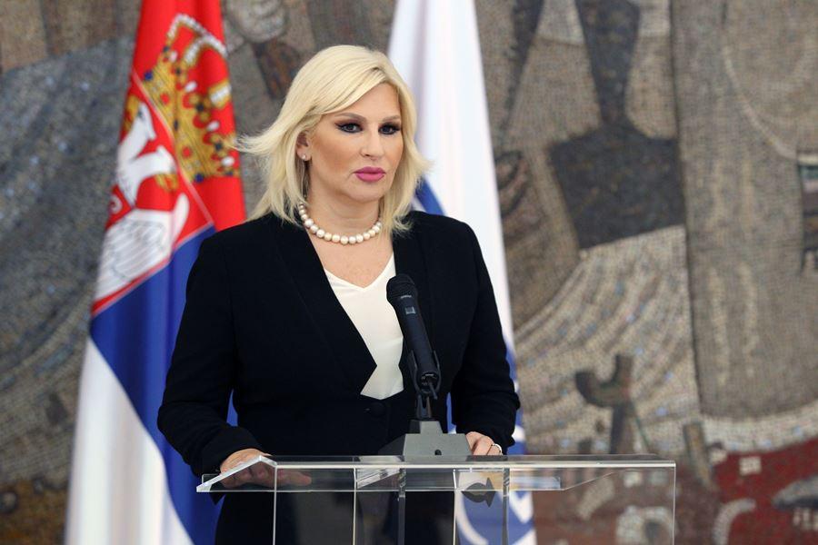 """""""Nezamislivo je da neko pokušava da gradi politički rejting tako što krši savete lekara…"""": Zorana Mihajlović o protestu opozicije"""
