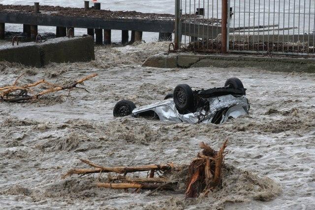 Nezapamćene poplave na Krimu odnele jedan život; Povređene 24 osobe VIDEO/FOTO