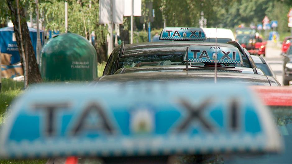 Ni zakon ne ublažava sukob taksista i kompanije CarGO