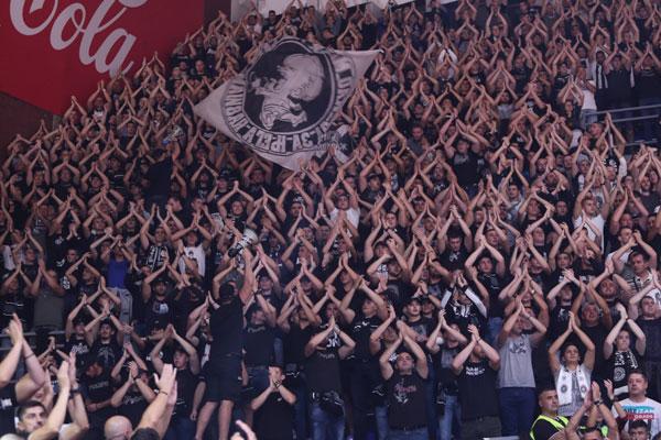 Nije moglo bez muke, šta kažu navijači Partizana o debitantu? (TVITOVI) (foto)
