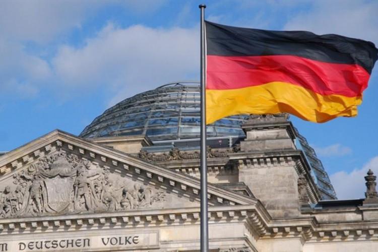 Nijemci sve bogatiji, plate rastu, nezaposlenost pada