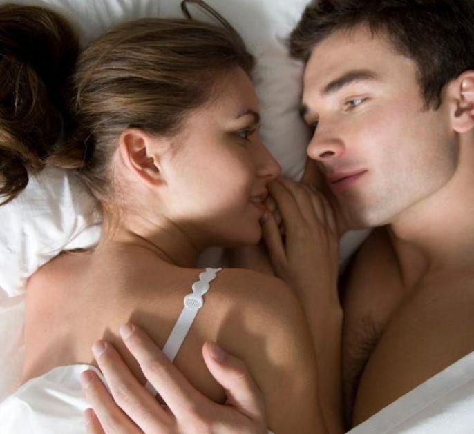 Nikad vam neće priznati: Tokom odnosa muškarci na ženama OBAVEZNO primete ovih 10 stvari
