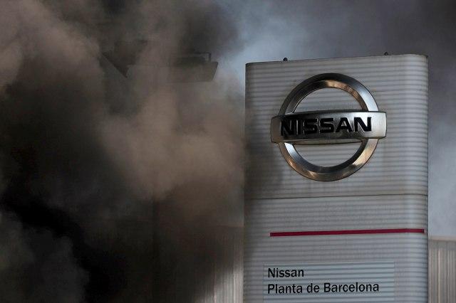 Nisan zatvara fabriku u Barseloni: 3.000 ljudi ostaje bez posla, protesti radnika FOTO