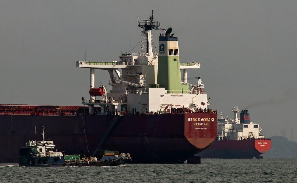 Norveški naftni tanker zapalio u Omanskom zalivu