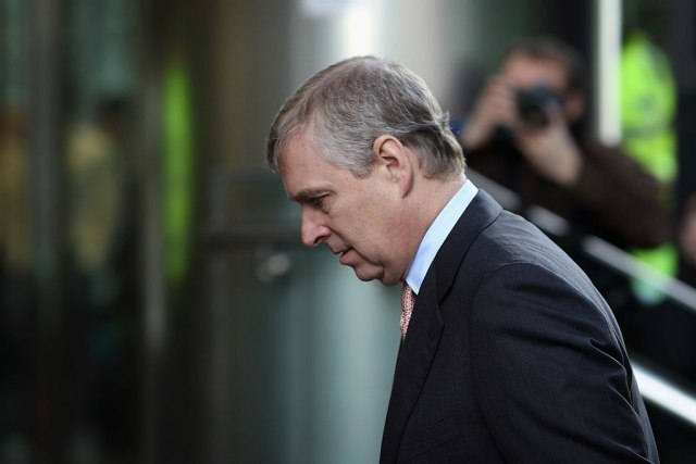 Nova dokumenta o pedofilskom lancu: Princ Endrju je seksualno iskorišćavao maloletnicu