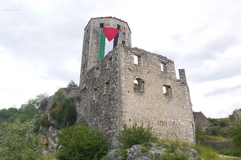 Nova podrška za Palestinu iz Hercegovine, zastave u Stocu i Počitelju