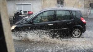 Nova stranka: U naknadu štete od poplava uvrstiti i naknade za registarske tablice