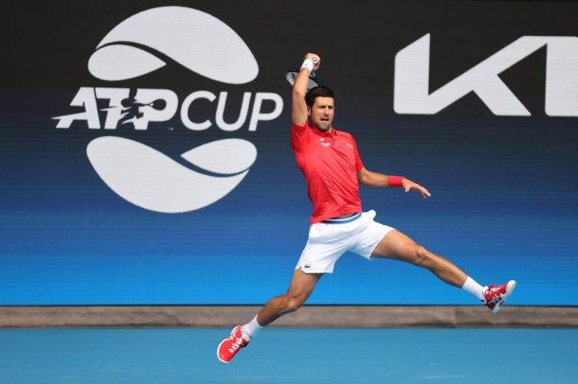 Novak sjajan na startu ATP kupa protiv odličnog Šapovalova