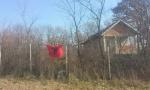 Nove provokacije: Zastava ALBANIJE na SRPSKOM groblju