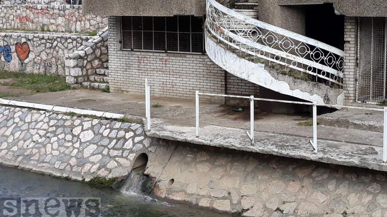 """Novi Pazar bez javnog toaleta, """"ćenifa se osjeća"""" u centru grada"""